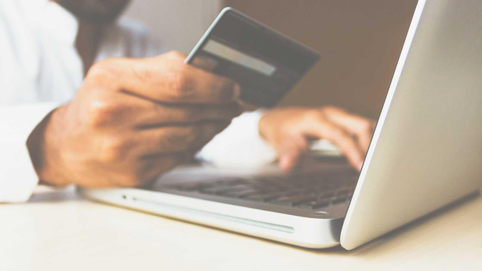 que-aspectos-tienen-en-cuenta-los-clientes-en-su-experiencia-como-consumidores-online
